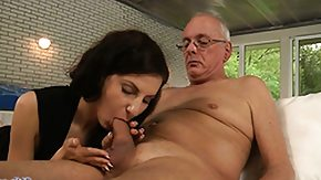HD Sometimes outdoors sex is one of the best ways to satisfy woman's lust