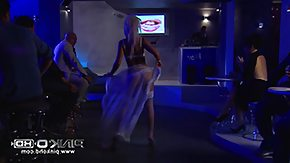 Free Bar HD porn videos yellowish hair slut lays him in the golf club