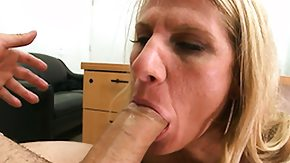 Bodybuilder High Definition sex Movies Bodybuilder MILF slut team-fucked with the addition of gulfing rod cognate with a young toddler