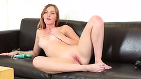 Hippy HD Sex Tube Well-shaped chippy Marie McCray licks her fingers after this babe shoved it into her coochie