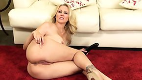 Free Black Granny HD porn videos Julia Ann likes banging her pie hole with a big dark-skinned dildo on the floor