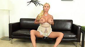 HD Mary Blond Sex Tube Astonishing blonde Mary Carey reveals her sexy legs huge boobs and spicy bird